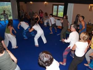 grupo_adultos_bailando