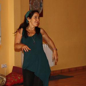 Vacaciones alternativas y Más: Beatriz Blázquez en una sesión de biodanza